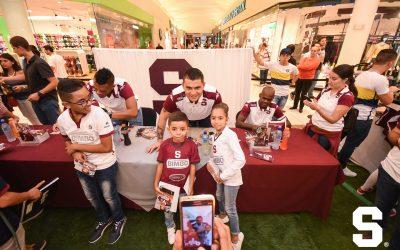 Firma de autógrafos Deportivo Saprissa